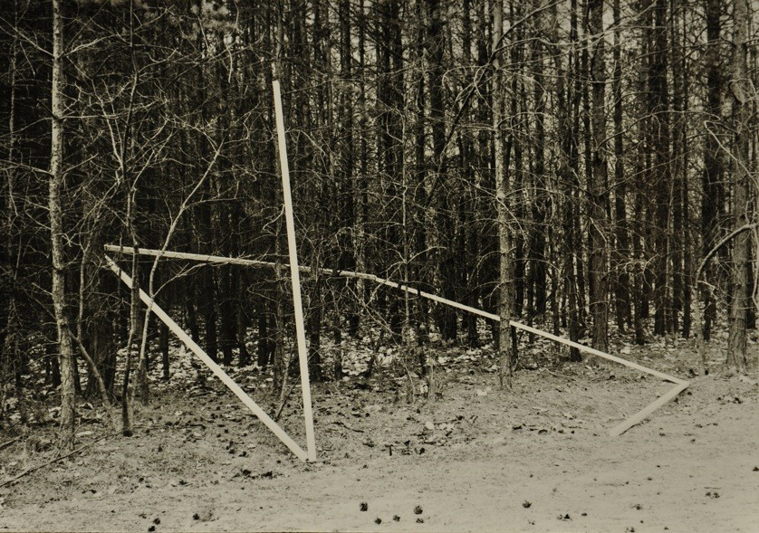 DIET SAYLER – FOREST INSTALLATION I 1981, Kraftshofer Forst, Nuremberg, five wooden sticks 350x4x4 cm, gelatin silver print on paper, 46x66 cm, Edition 2/7