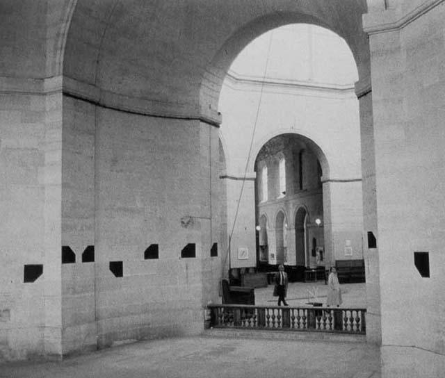 Chapelle St. Louis de la Salpêtrière Paris, 1986, photo document