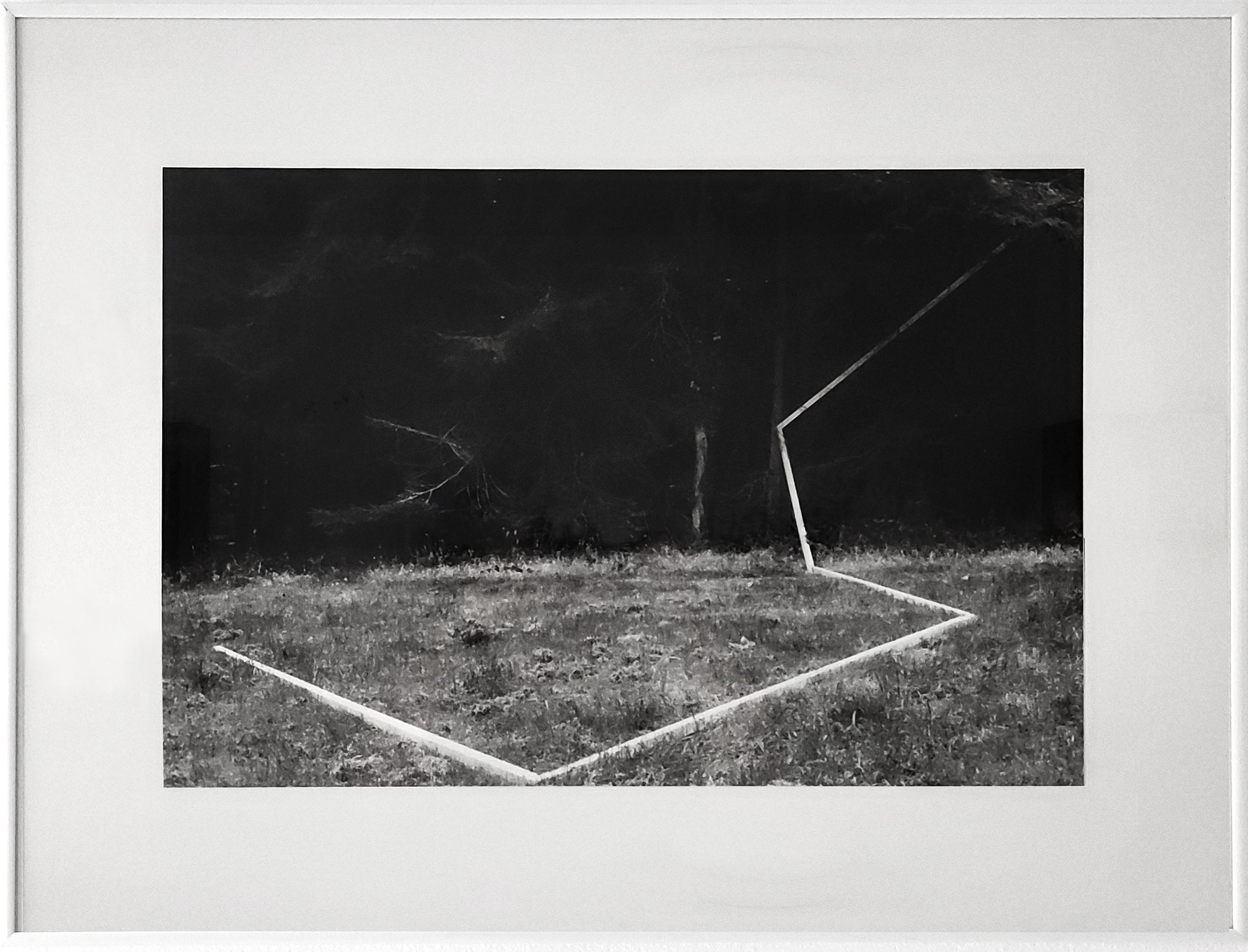 Diet Sayler, Waldraum II., 1980, Installation, Odenwald, Fotografie, 40x60cm | 62x81cm, Edition 1:7